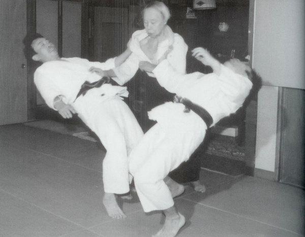 Sagawa Yukiyoshi, Masaru Takahashi en Adem Training in Daito-ryu [Dutch Version]